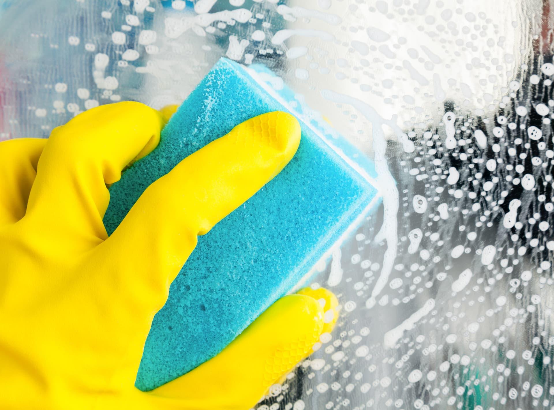 Rengøring af glasoverflade